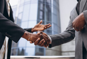 african-business-male-people-shaking-hands_1303-18516